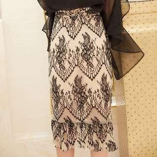 🚚 Lace skirt