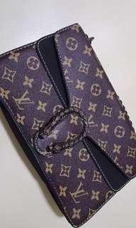 Louis Vuitton chain sling