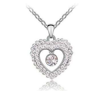 🚚 Swarovski elements crystal dancing heart necklace