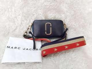 Marc Jacobs snapshots in midnight blue💜💛💚