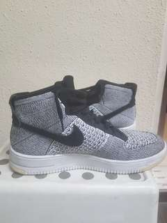 the latest 154f8 6a2e3 Nike Flyknit Air Force 1 Mids