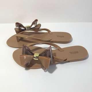 🚚 Melissa 香香鞋 巴西尺寸37(立體雙蝴蝴結飾夾腳平底拖鞋-焦糖)