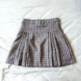 (new) grey checkered skirt