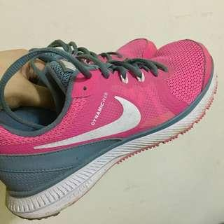 Used Nike Zoom Winflo in Pink and Gray