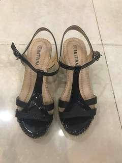 Heels hitam BARU