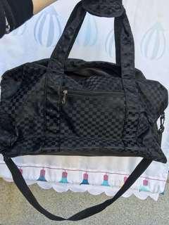 🚚 行李袋大空間