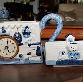 CERAMIC TEAPOT WITH CLOCK. VERY UNUSUAL BRAND NEW WITH BOX GREAT GIFT! KITSCHY KNICK KNACK