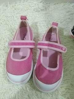 #Clarks girl shoes