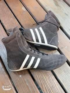 🚚 愛迪達麂皮高筒鞋