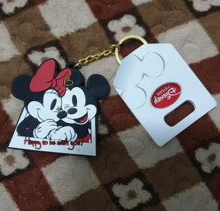 🚚 【Disney】米奇米妮隨身鏡鑰匙圈