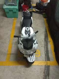 寶馬bmw月兒童電單車