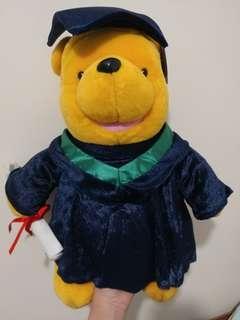 Winnie the pooh 維尼熊 畢業公仔