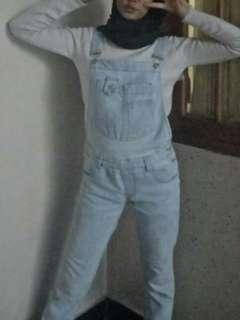 Overall jeans (bahan jeans bukan kain tipis)