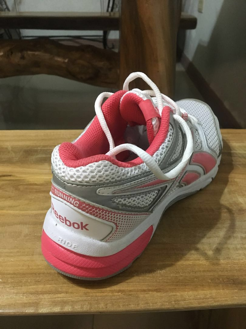 69eb894caea Authentic Reebok Running shoes