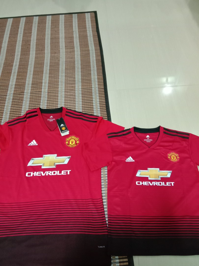 adebc332e Price reduced. BNWT Manchester United Jersey at  18each.
