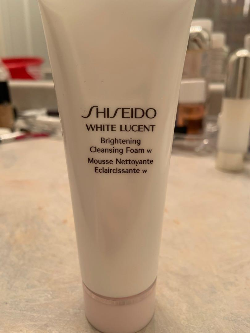 Brand new shiseido white lucent cleansing foam. Was part of a set