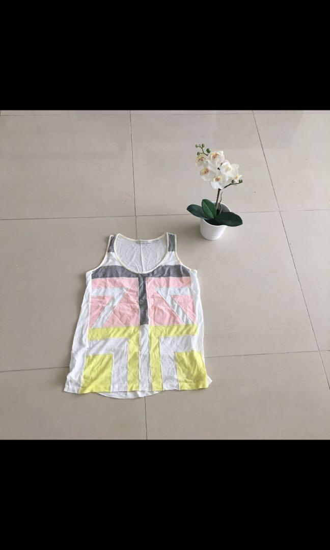 Country Road white singlet with geometric panel detail