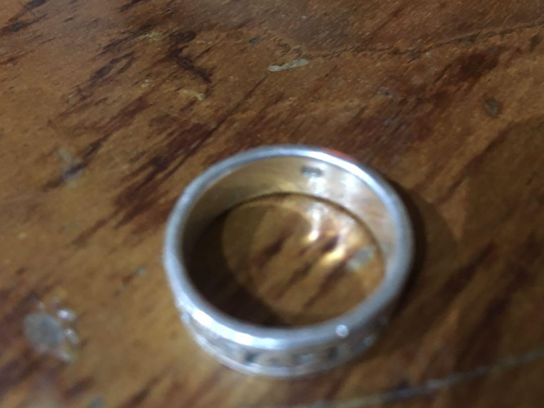 Silver ring (size 6)