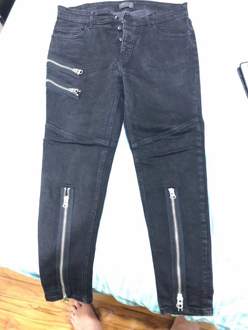 998ec09f ZARA black jeans, Men's Fashion, Clothes, Bottoms on Carousell
