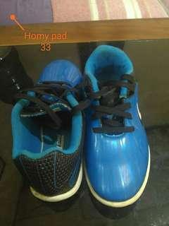 Sepatu futsal homy pad size 33 good condition