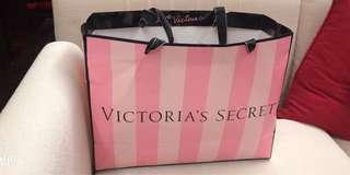 "🚚 Victoria""s Secret"