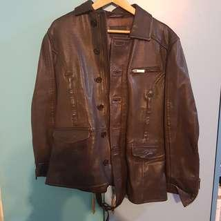 🚚 Emporio Armani leather jacket