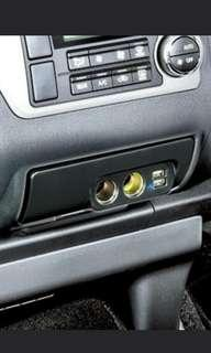 Toyota Hi Ace dual socket and usb charger.