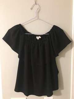 Aritzia XXS off-the-shoulder blouse