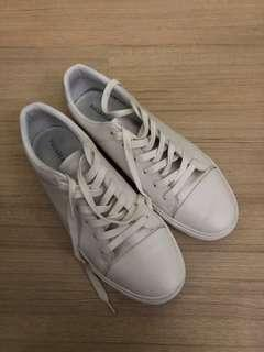 Pull and Bear sneaker