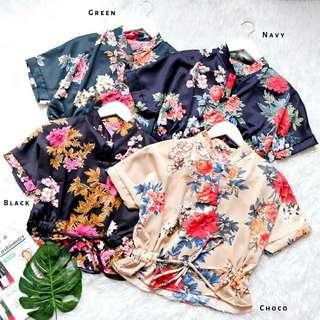 Audie FLOWY Top