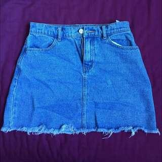 STILL AVAILABLE (02/2019) Brandy Melville Denim Skirt