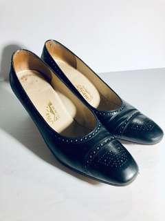Salvatore Ferragamo Vintage Black Leather 9B