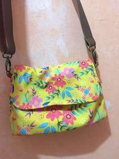 Ideku Handmade Sling Bag Olive