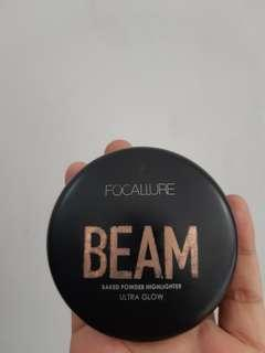 FOCALLURE: BEAM Baked Powder Highlighter