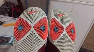 Nike kyrie size 8 US w/ orig box