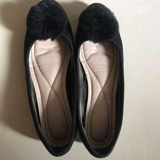 Vincci PomPom Flatshoes