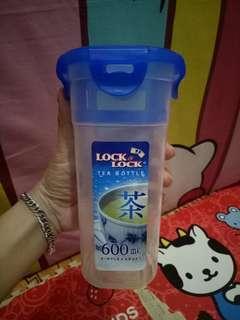 Lock and lock tea bottle