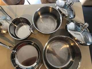 Hoffman pots and pan set of 4