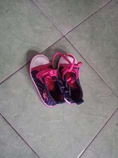Sepatu boot balita