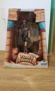 Tomb raider figure