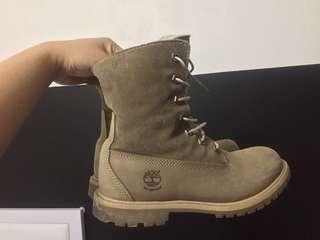 Timberlands fleece boots