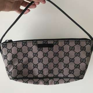 dee45d1d8be GUCCI pochette bag