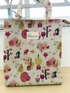 Queen and cat bag