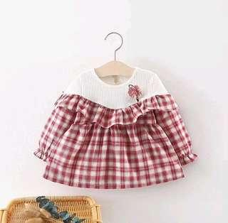 🚚 🌟PM for price🌟 🍀Baby Girl Lantern Sleeves Pleated Plaid Dress🍀