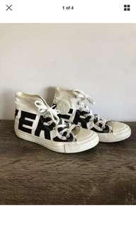 Converse black and white wordmark 39