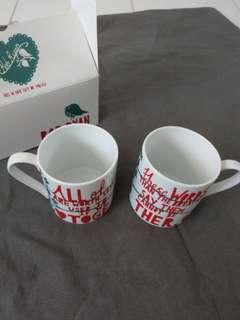 🚚 Rob Ryan mug set of 2