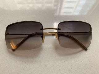 Gucci  正品太陽眼鏡 (超經典款式)