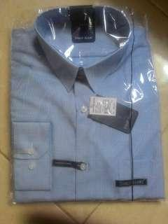 Kemeja slim fit Stanley Adams