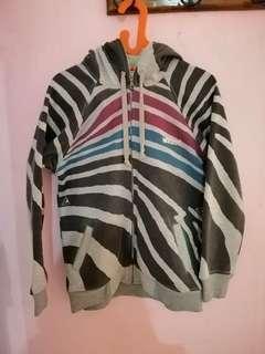 Jaket hoodie motif zebra
