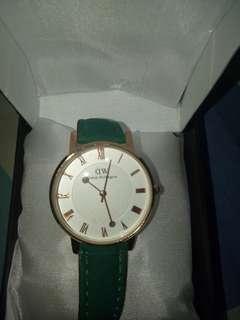 Jam tangan cantiq (barteran sama jam juga yuuk sist NEW tapi yaa )